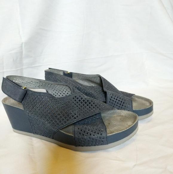 28b421ac3572b Blue wedge laser cut softwalk sandals. M 5b005a2c2ab8c5288e7f934b